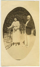 PHOTO ANCIENNE - VINTAGE SNAPSHOT - FEMME VÉLO CYCLISTE BICYCLETTE - WOMAN BIKE