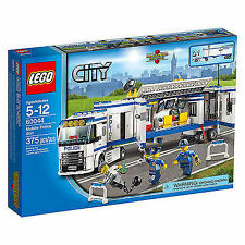 **BRAND NEW** LEGO City Mobile Police Unit 60044