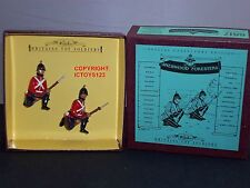 BRITAINS 8817 SHERWOOD FORESTERS KNEELING ON GUARD METAL TOY SOLDIER FIGURE SET