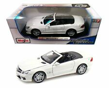 Mercedes-Benz SL 63 AMG Convertible 1:18 Diecast Model Car White Special Edition