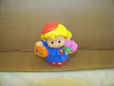 FISHER PRICE LITTLE PEOPLE SARAH LYNN PARIS RED BERET FLOWERS BLUE DRESS 2004