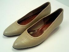 VTG THOMAS CORT LIMITED SHOES LOW HEELS LEATHER UPPER & SOLE. MADE IN USA. 8 N