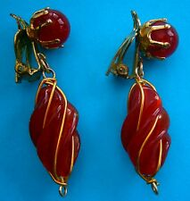 A480) A vintage pair of gold tone red twisted glass bead drop clip on earrings
