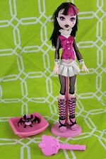 Monster High 1st/First Wave Draculaura Doll with Outfit+Stand+Brush+Pet Bat