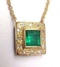 Stunning! 18K Yellow Gold Colombian Emerald and Diamond Pendant Necklace