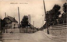 CPA  Mesnil-le-Roi -Rue de la Marne  (246517)