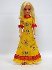 Lovely Vintage Sindy Doll In Yellow Floral Dress With Red Lace Trim 44379 (1980)