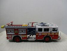 1/64 SCALE CODE 3 LOOSE FDNY NEW YORK YANKEES #68 SEAGRAVE PUMPER FIRE ENGINE
