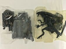 2005 AVP ALIEN QUEEN VS PREDATOR  Play set McFarlane Toys New Loose Complete