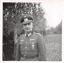 Oficial con broche medalla ek - 1 foto 2.wk