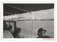vintage photo / 1950/60s – Hafen Boot Hafenrundfahrt / Harbor tour