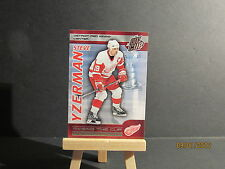 2003-04 Pacific Quest for the Cup Raising the Cup #11 Steve Yzerman