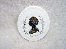 COALPORT SILHOUETTE WALL PLAQUE of QUEEN ELIZABETH 2 II 1977 SILVER JUBILEE 1977