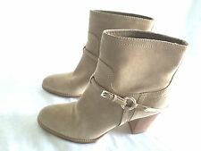 CHRISTIAN DIOR BEIGE SUEDE LEATHER PULL ON WOMEN US SIZE 10M(40 EU) ANKLE BOOTS