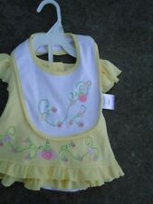 Snugabye Girls Solid Yellow w/ Strawberries Outfit with Bib Size 3-6 Months