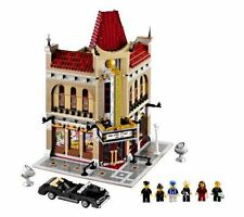 DELUXE Lego MOVIE THEATER Large Play Set Cinema Theme Vehicles Ages 16+ Yrs NEW