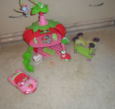 HASBRO STRAWBERRY SHORTCAKE w/Bird LOT of 13+ PLAY-SET CAFE HOUSE w/Dolls,Car