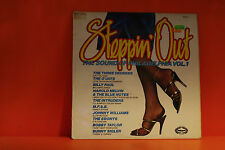 STEPPIN' OUT - THE SOUND OF PHILADELPHIA - 1973 UK - SOUL LP VINYL RECORD -N