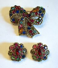 Gorgeous Vintage Weiss Colorful Rhinestone Ribbon Pin & Earrings