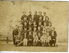 PHOTO de classe scène de genre garçons uniforme école circa 1870