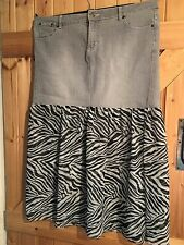"Part Denim Skirt By Kit Size 16 Grey Denim With Black & White Net W36"" L34"""