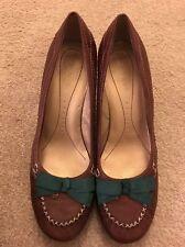 Zapatos De Cuero señoras Nine West Vintage Style Marrón Uk Size 7 US 9 Verde Arco