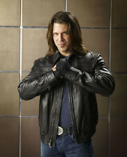 Christian Kane UNSIGNED photo - G1033 - Angel, Leverage & The Librarians