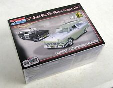 Revell 1:25 1957 Ford Del Rio Ranch Wagon 2'n'1 Model Kit RMX854193 85-4193