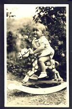 CARTE PHOTO ENFANT Fin Juillet 1944 Jouet CHEVAL à BASCULE TOY ROCKING HORSE