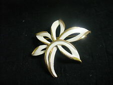 Vintage Trifari White Enameled Goldtone Metal Flower Brooch Pin