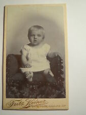 Tuttlingen - sitzendes kleines Kind - Baby - Portrait / CDV