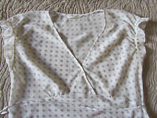 White & Purple Floral M&S See Through V Neck Short Sleeve Blouse / Top - Size 10