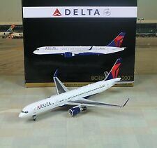 "Gemini Jets Delta (N6702) B757-200W ""Sold Out"" 1/200"