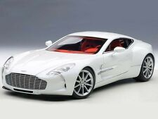 AUTOart Aston Martin One-77 2009 White 1:18 (70244)