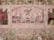 WOODEN Bunting effettuate utilizzando Emma Bridgewater ROSE & Bee Design DRESSER Display