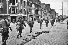 WW2 - La 4ème Div. d'infanterie US, rue du Val de Saire, Cherbourg fin juin 44