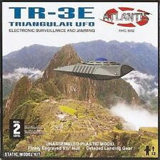 Triangular UFO TR-3E Model Kit Atlantis Models  AMC-10001