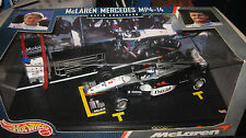 HOTWHEELS 1:24 F1 McLAREN MERCEDES MP4-14 DAVID COULTHARD #2 AWESOME DISPLAY