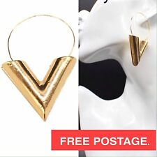 V TRIANGLE EARRINGS Gold Fashion Statement Drop Elegant Louis Vuitton