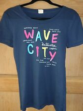 SUPER  WOMENS  NAVY CALIFORNIAN CITIES HOLLISTER T SHIRT SIZE MEDIUM