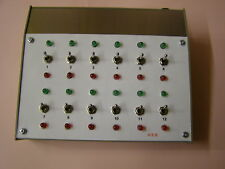 MODEL RAILWAY SIGNAL CONTROLLER WITH RED---GREEN LEDS