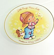 "Avon Mother's Day 1982 5"" Decorative Plate Little Things Mean a Lot Boys Bassets"