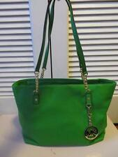 NEW WITHOUT TAGS MICHAEL KORS GREEN LEATHER SHOULDER HANDBAG - SIZE MEDIUM