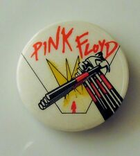 PINK FLOYD THE WALL OLD METAL BUTTON BADGE FROM THE 1980's MARCHING HAMMERS