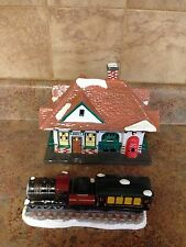 DEPARTMENT 56 VILLAGE STATION AND TRAIN COLLECTIBLE FIGURINE 56.51225