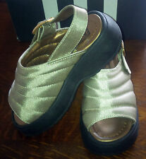 Girls Designer Buckle My Shoe Gold San Tropez Sandals Size EU 26 / UK 8.5 BNWB