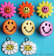 PURE HAPPINESS - Face Flower Daisy Hippy Retro Dress It Up Craft Buttons Charms