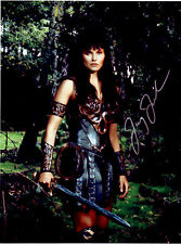 Xena Creation Entertainment photo photograph autographed Lucy Lawless with sword