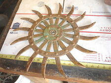 OLD  FARM JOHN DEERE SPIKED WHEEL GARDEN FLOWER & RUSTIC WALL DECOR SUNBURST