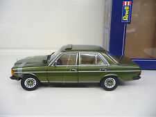 1:18 Revell Mercedes 230E W123 grün metallic Limited Ed. NEU NEW